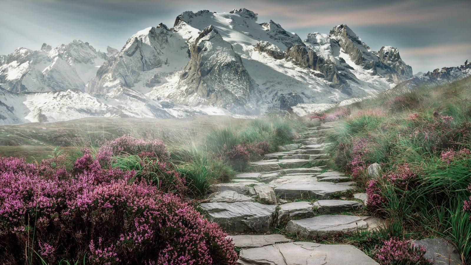 mountain-landscape-2031539_1920